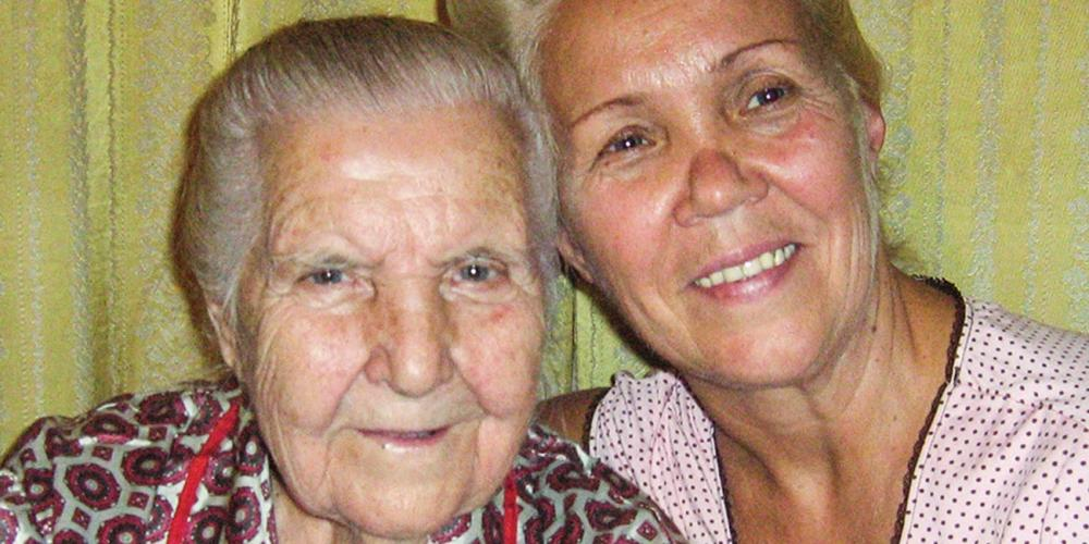 Lyubov Babkina, right, with her mother. (Courtesy of Lyubov Babkina)